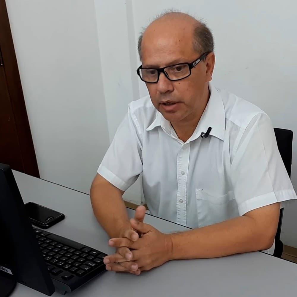 O médico Douglas Batista da Silva atuava tanto no planejamento do combate à doença como no atendimento: 14 dias na UTI — Foto: Prefeitura de Tupa/Divulgação
