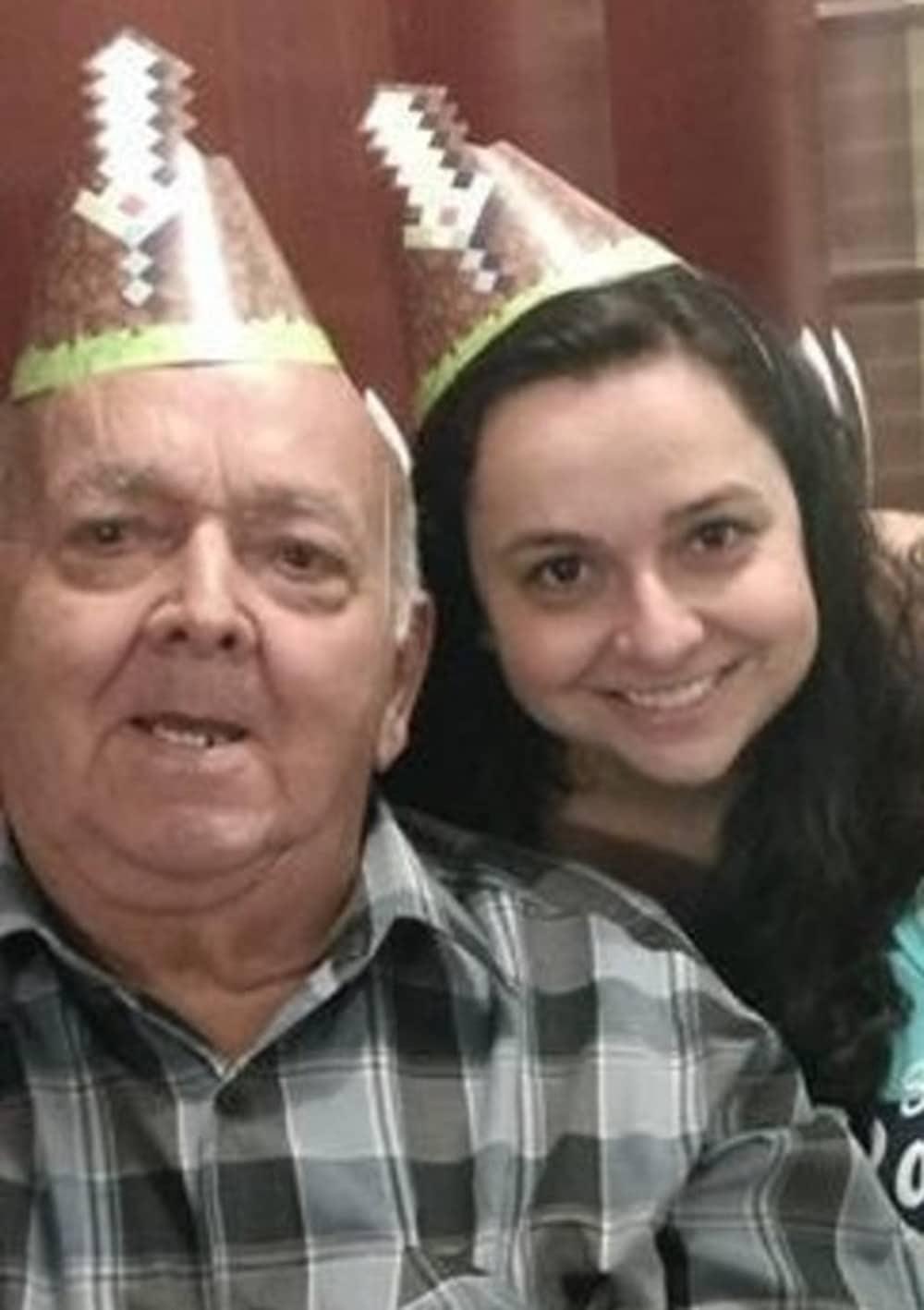 Herculano Lopes Diniz, que morreu no último dia 14 de março, com a filha que registrou BO: investigação aberta (Foto: Arquivo pessoal)