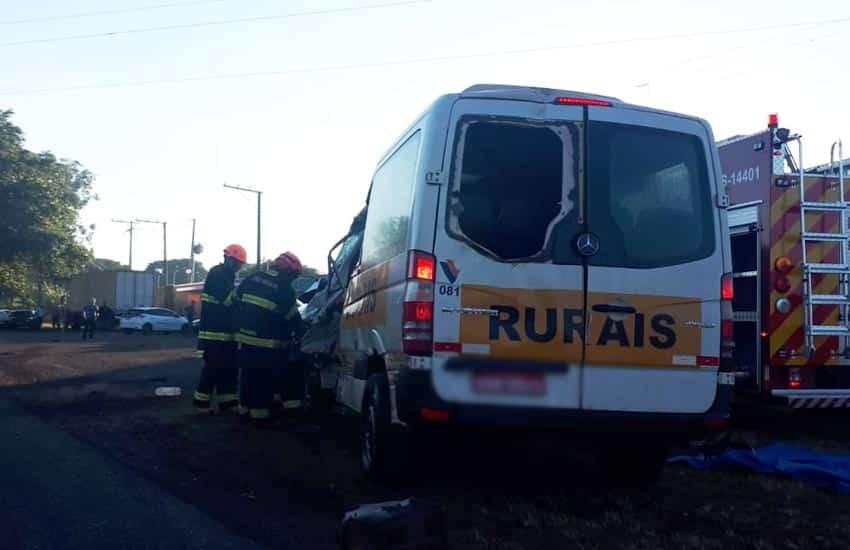 Acidente ocorreu por volta das 06h em frente à Granja do Pavão (Foto: i7 Notícias_