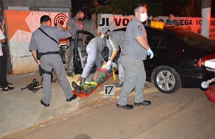 Motorista ficou preso nas ferragens (Foto: Manoel Moreno)