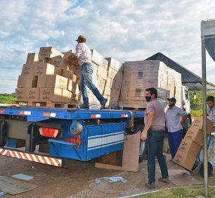 As cestas foram destinadas aos 645 municípios, através do programa Alimento Solidário (Foto: Departamento de Comunicação)