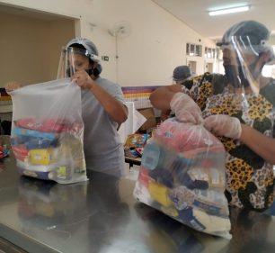 Educação entrega 8.500 kits de alimentos a alunos da Rede Municipal de Ensino (Foto: Departamento de Comunicação)