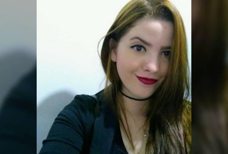 Natália de Siqueira, tinha 30 anos e estava grávida de cinco meses quando contraiu Covid19 (Foto: Divulgação/Arquivo Pessoal)