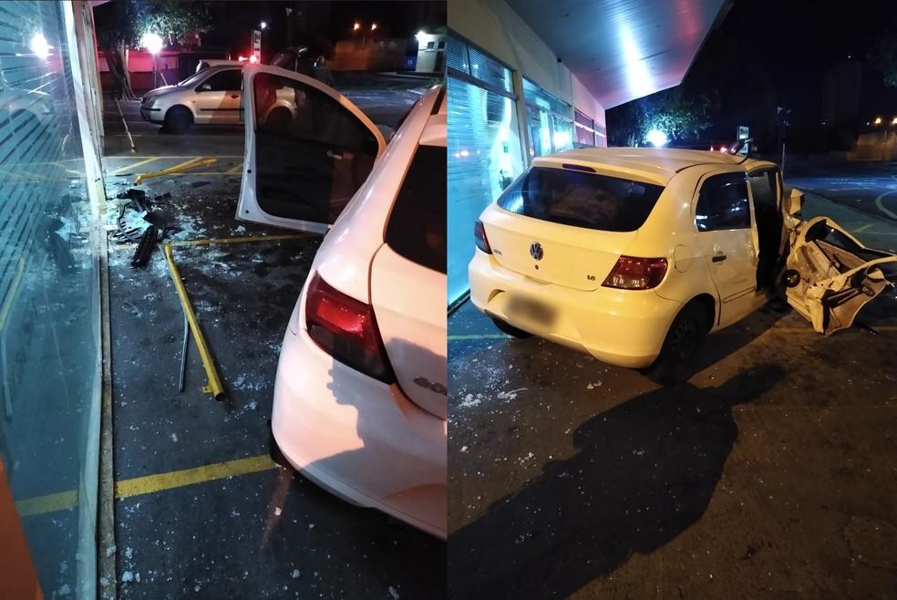 Carro bateu em estabelecimento comercial neste sábado (1º) em Assis — Foto: The Brothers/Divulgação