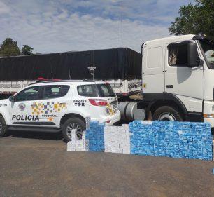 Polícia Rodoviária apreende grande quantidade de celulares no fundo falso de caminhão em rodovia de Florínea (SP) — Foto: Polícia Rodoviária/ Divulgação