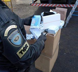 Polícia Rodoviária flagra carga de eletrônicos escondida em caminhão de mudança em Florínea — Foto: Polícia Rodoviária/Divulgação