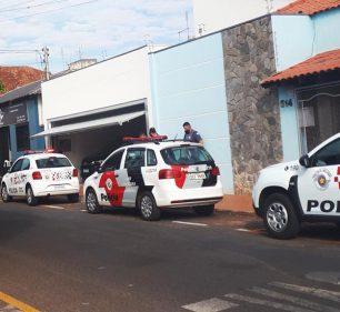 Os animais viviam em um prédio desocupado, na Rua Maria Paula Gambier Costa, no centro da cidade