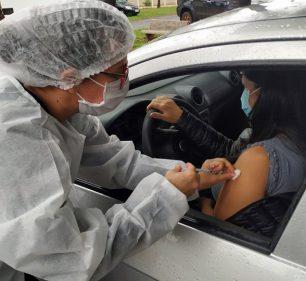 Assis avança e começa imunizar adultos com 28 anos ou mais nesta sexta-feira (Foto: Departamento de Comunicação)