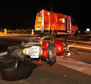 Motociclista morreu após ser atingido pelo pneu de caminhão em Marília — Foto: Paulo Cansini/ Jornal da Manhã