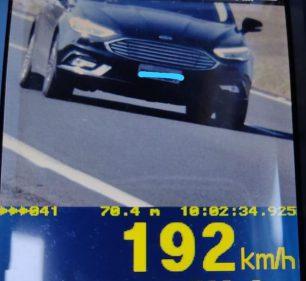 Motorista é flagrado pelo radar dirigindo a 192 km/h na Rodovia Castello Branco em Santa Cruz do Rio Pardo (SP) (Foto: Polícia Rodoviária/ Divulgação)