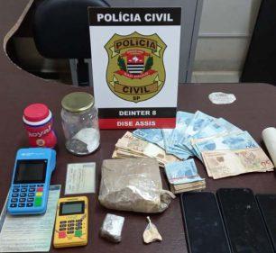Polícia Civil apreende quase meio quilo de cocaína e tijolo de maconha em Tarumã (Foto: Polícia Civil/Divulgação)