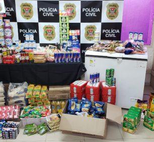 Mulher foi investigada pela Polícia Civil em Lins (SP) por esconder produtos em mercados para retirá-los de graça depois do vencimento — Foto: Polícia Civil/ Divulgação