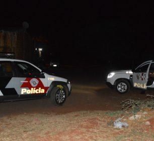 A tentativa de homicídio aconteceu em frente à casa da vítima, na Rua Osvaldo Cruz, no bairro Barra Funda