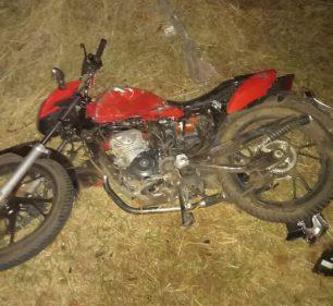 Motociclista foi vítima fatal em acidente na Rodovia Brigadeiro Eduardo Gomes (SP-457) - Foto: Paulo Santana/Cedida