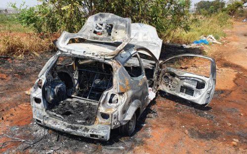 Corpo foi encontrado carbonizado dentro de um porta-malas em Lins na manhã desta sexta-feira. - Foto: Nota Tv /Divulgação