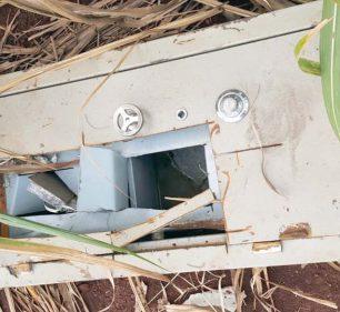 Cofre vazio furtado em Frutal do Campo é localizado em canavial de Tarumã