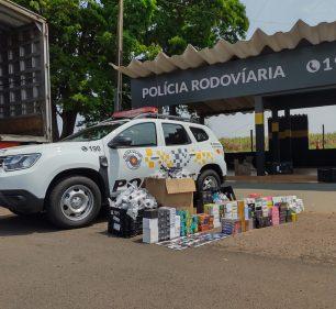 Produtos estavam em um caminhão que foi abordado em Santa Cruz do Rio Pardo — Foto: Polícia Rodoviária / Divulgação